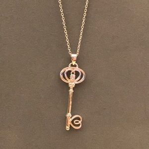 Jewelry - Key necklace